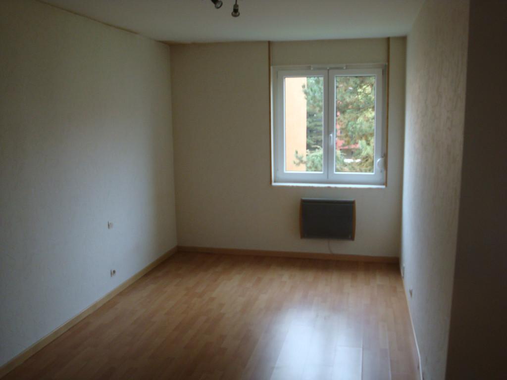 Location louer appartement de 2 pi ces for Location garage moselle