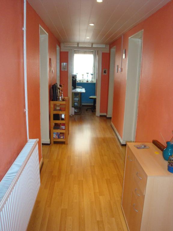 Location louer appartement de 4 pi ces for Location garage moselle