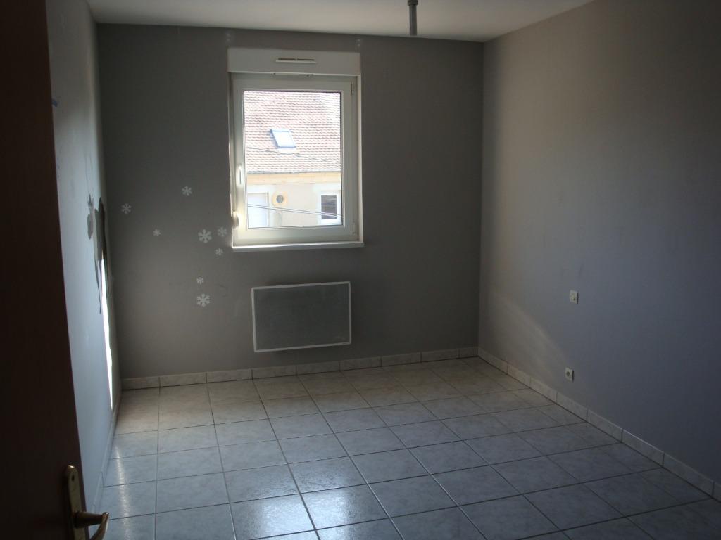 Location louer appartement de 2 pi ces bousbach for Location garage moselle