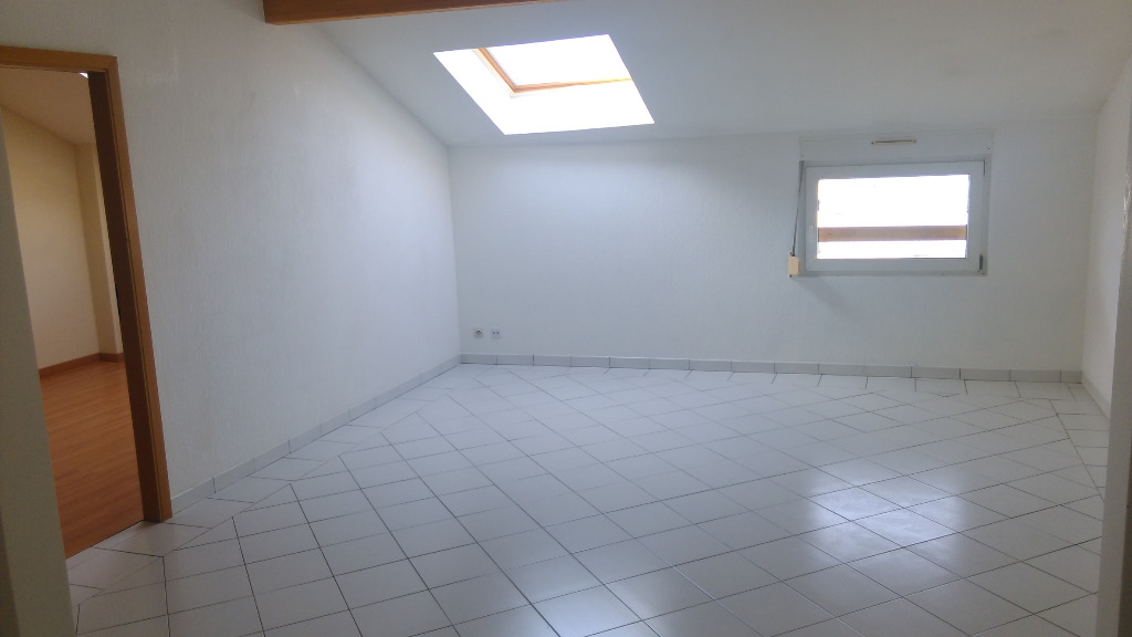 Location louer appartement de 3 pi ces saint julien for Location appartement sans agence immobiliere